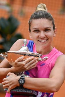Halep wint titel in Rome na opgave van Pliskova