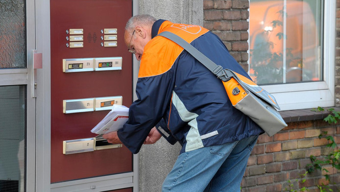 Een werkzaam leven lang post bezorgen of bijscholing voor een minder zwaar beroep?