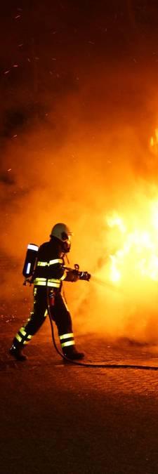 Auto gaat in vlammen op in Loon op Zand