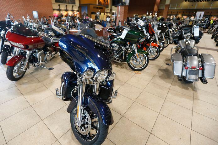 Een blauwe Harley Davidson