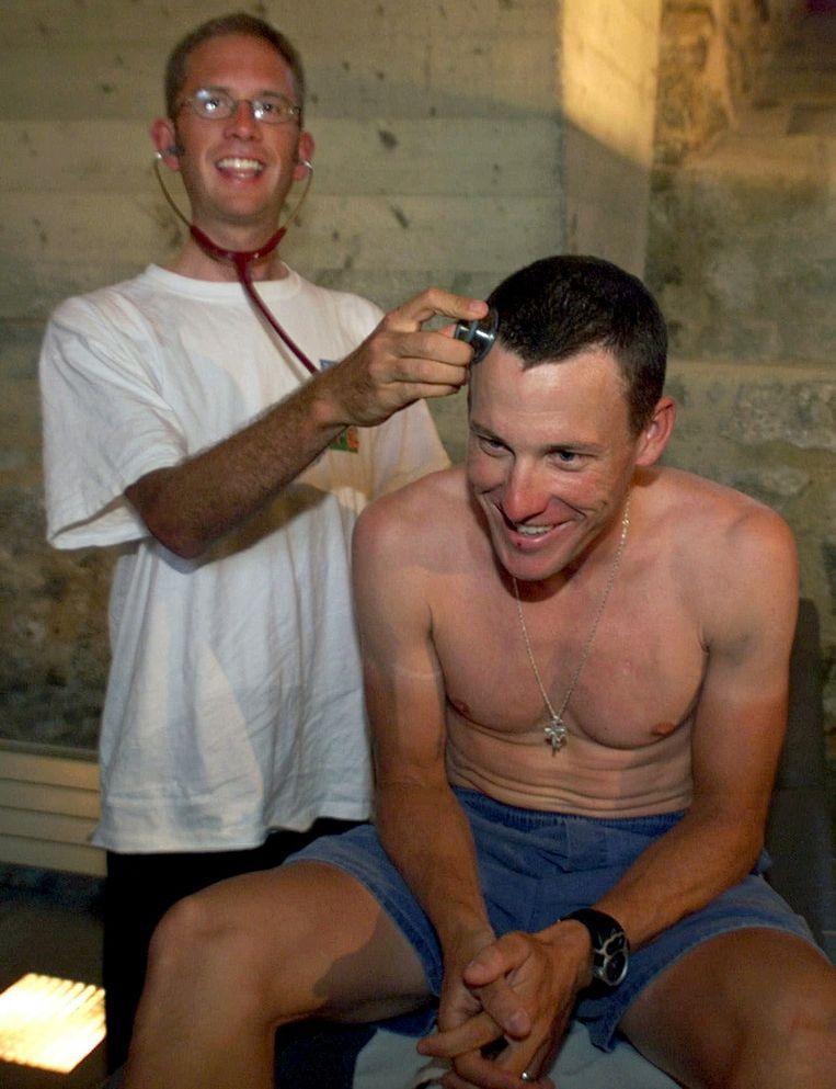 Jonathan Vaughters dolt met ploegmaat Lance Armstrong bij de start van de Tour in 1999.