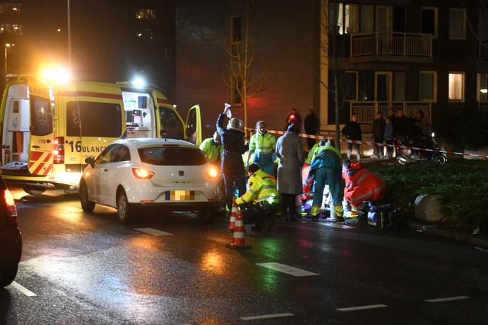 Op de Willem de Zwijgerlaan in Alphen is een voetganger aangereden door een automobilist.