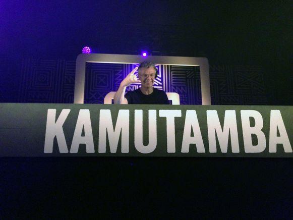 DJ Bobby Ewing speelde ook een thuiswedstrijd op Kamutamba.