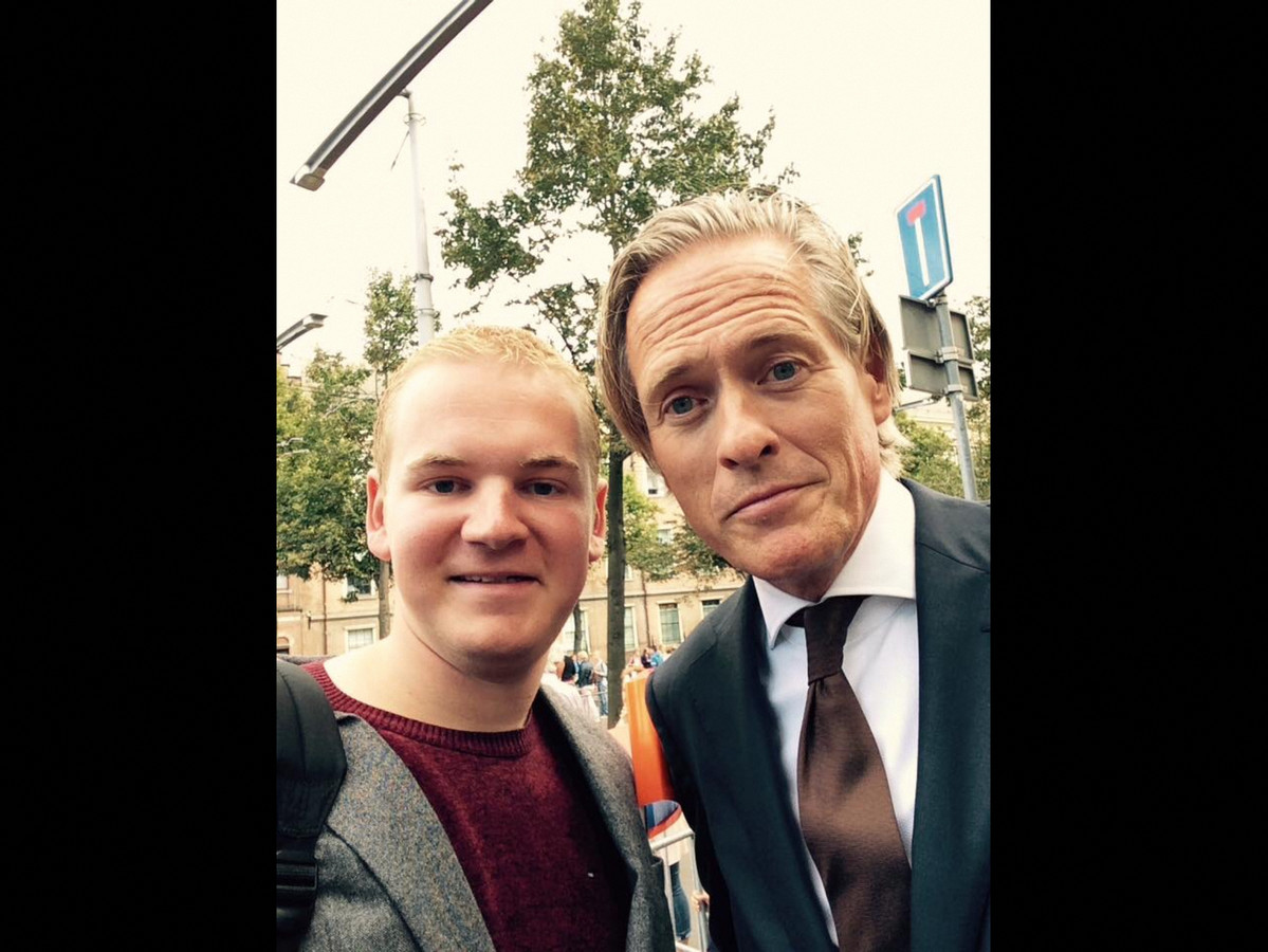 Vriendin Jort Kelder : Selfie met stijn is op eigen risico foto pzc.nl