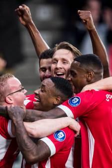 LIVE | Dolberg en Van de Beek moeten Ajax naar sensatie leiden na rust
