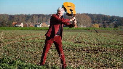 """Rick de Leeuw staat opnieuw als zanger op het podium: """"Verhuis naar Heks heeft mijn terugkeer naar de rockmuziek zeker beïnvloed"""""""