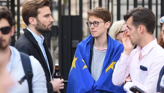 Jongeren in Londen waren gisteren helemaal van de kaart door het nieuws van de Brexit.