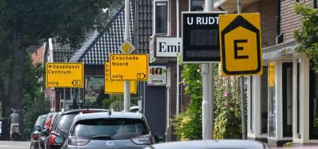 'Bordenkermis' in Enschede: wel érg veel gele omleidingsborden