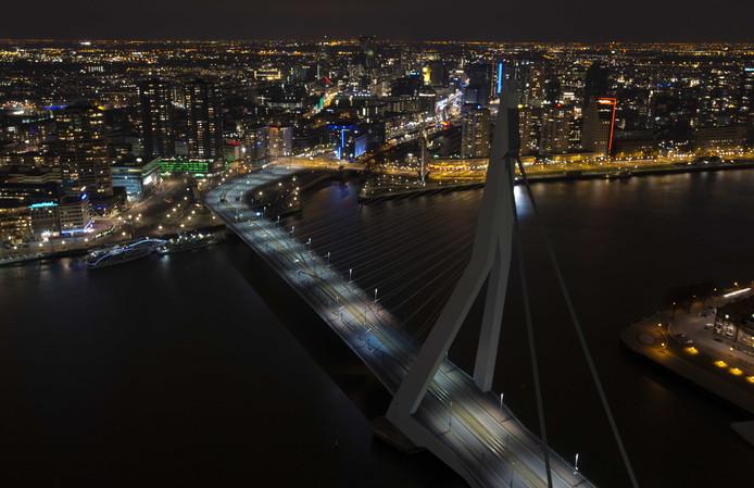 Lichten Erasmusbrug gaan uit voor Earth Hour | Rotterdam | AD.nl