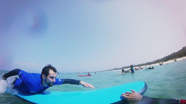 Is Arne erin geslaagd recht te blijven staan op zijn surfplank? Bekijk zeker de vlog!