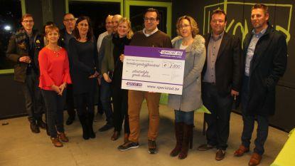Lokale handelaars schenken 2.500 euro aan drie goede doelen