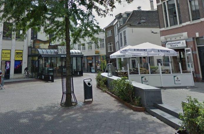 Een deel van de Korenmarkt in Arnhem. Hier vond de ontmoeting plaats.