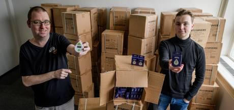 Run op gratis ledlampen en douchetimers: Enschedeërs worden akelig hebberig