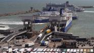 Zes migranten aangetroffen op Engelse kust nadat ze met bootje het Kanaal overstaken