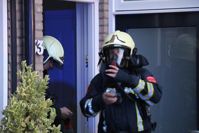 De brandweer ventileerde na inspectie de woning aan de Ereprijs.