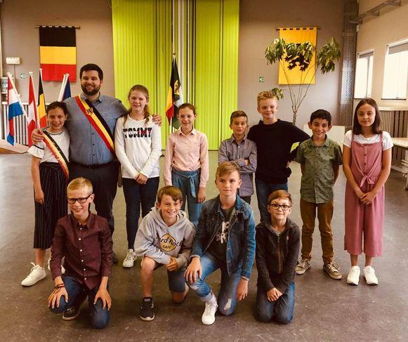De nieuwe Zelzaatse kindergemeenteraad.