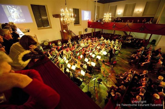 De Vriezenveense Harmonie tijdens een kerstconcert