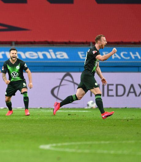 Weghorst deelt met Wolfsburg pak slaag uit aan Bosz' Leverkusen