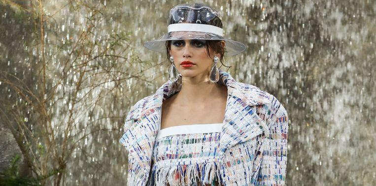 Kaia Gerber op de catwalk van Chanel