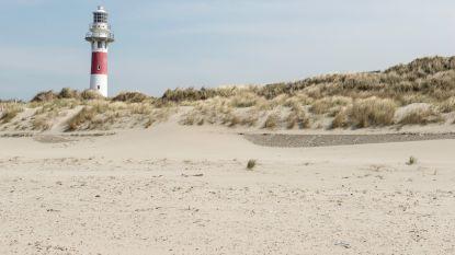 Baden bij de paarse vuurtoren of de groene schildpad: Nieuwpoort kiest voor een strand met vijf kleuren en figuurtjes