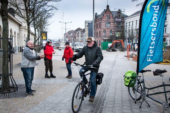 Acties van de fietsersbond aan het station