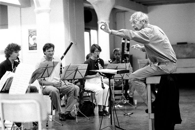 Reinbert de Leeuw als dirigent. Beeld Hollandse Hoogte / Frans Schellekens