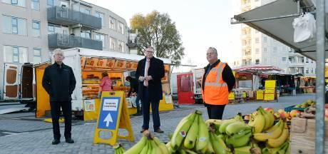 Zwijndrechtse markt is terug op oude stek: 'Juist nu een mooie ontmoetingsplaats'