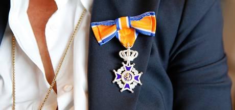 Lintjesregen Ede: 1 Officier, 3 Ridders en 18 Leden