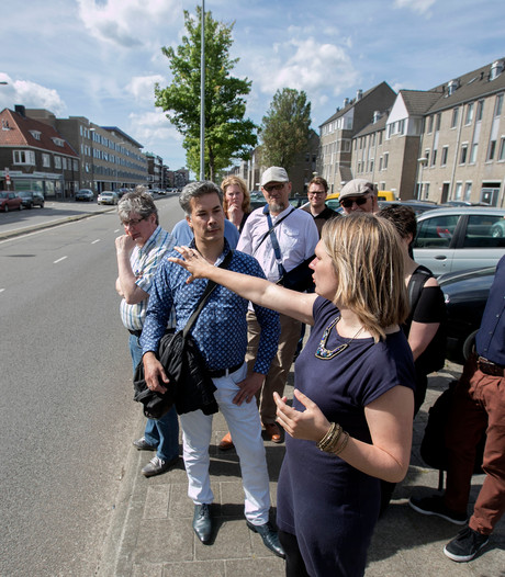 Eindhovense raadsleden nemen kijkje op drukke Boschdijk