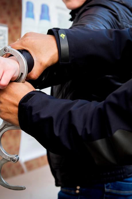 Politie houdt drie mannen aan na dreiging met vuurwapen in Rotterdam-West