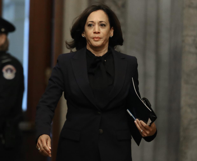 Senator Kamala Harris, gefotografeerd op 31 januari 2020 in het Capitool in Washington, waar de Senaat zou debatteren over het impeachment-proces tegen president Donald Trump.