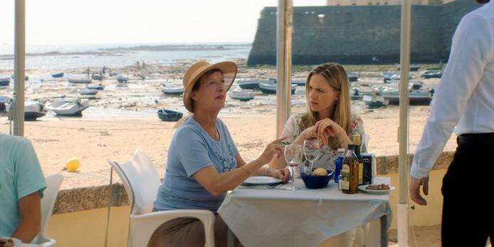 Loes Luca en Anniek Pfeiffer in Mi Vida.