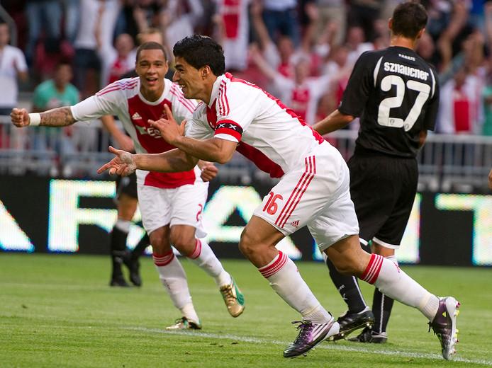 In 2010 was Luis Suárez met doelpunten in beide wedstrijden tegen PAOK belangrijk voor Ajax.