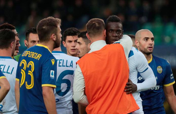 Mario Balotelli krijgt steun na het duel met Verona.