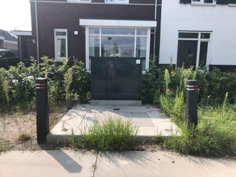 Gemeente Dordrecht kan belofte niet waarmaken: rioolkast pal voor woning gaat helemaal niet weg