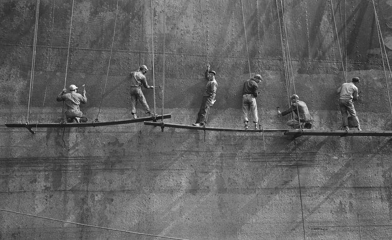 Chinese dokwerkers in Amsterdam, 1960 Beeld Cor Jaring