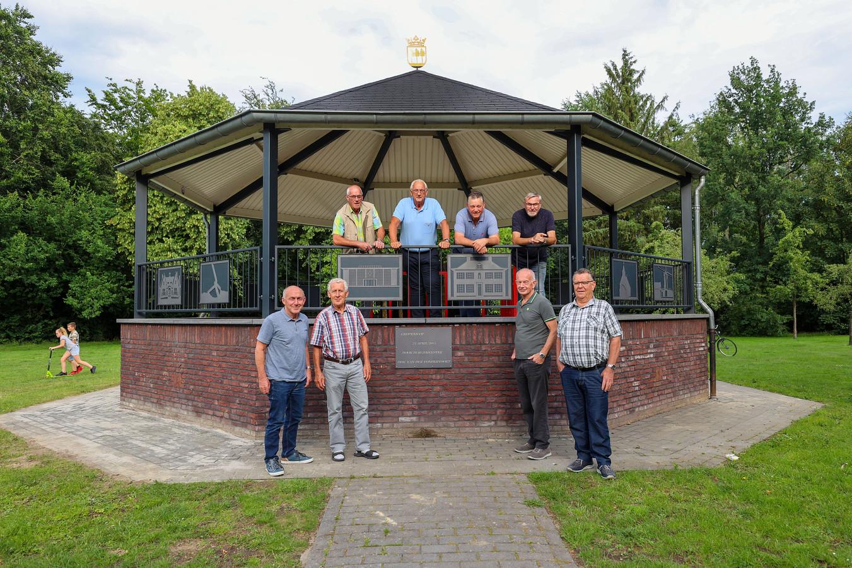Op de kiosk, vlnr: Jan van Leeuwen, Cees Sengers, Beni Menting en Jos Borrenbergs. Onder, vlnr: René Peeters, Felix van Veldhoven, Fons Scheerens en Jan Loomans.