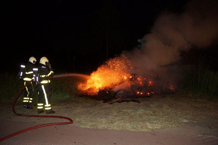 Berg gras in brand in Sprang-Capelle.