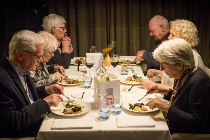 Finale lezersmenu Tubantia in het restaurant van ROC van Twente.