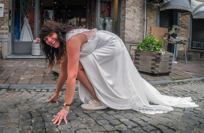 Els Vangheluwe is er in ieder geval klaar voor om te lopen in haar bruidsjurk.