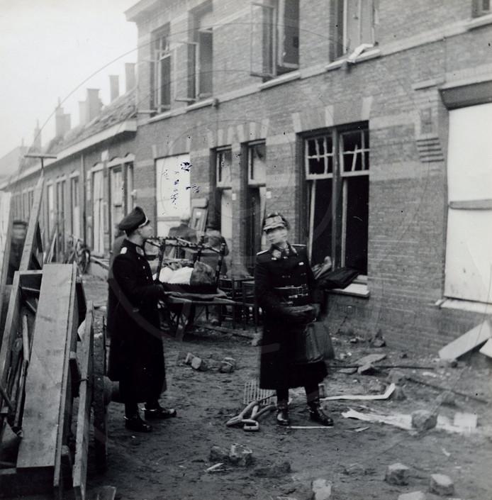 De Holtenbroekerstraat (nu Noteboomstraat) in Zwolle na het bombardement van 15 december 1944.