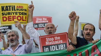 Duizenden mensen protesteren tegen militair offensief in Syrische provincie Idlib