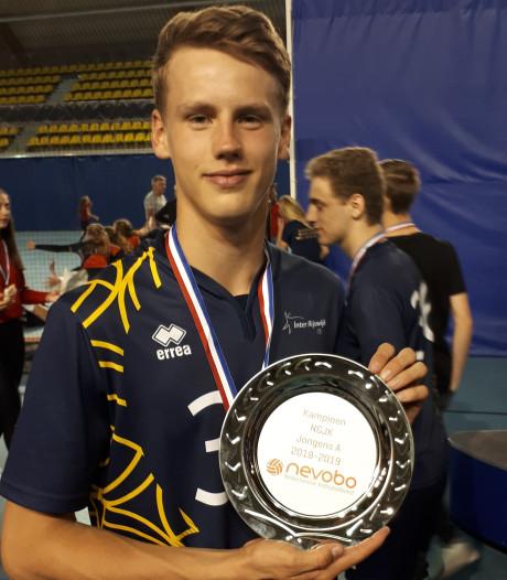Sam van der Loo (17) uit Boskoop opnieuw Nederlands jeugdkampioen volleybal