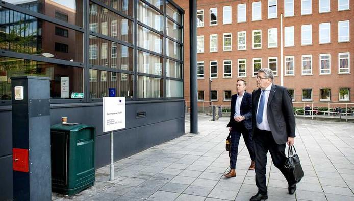 Henk Krol komt aan bij de rechtbank in Utrecht om te getuigen in de zaak Demmink