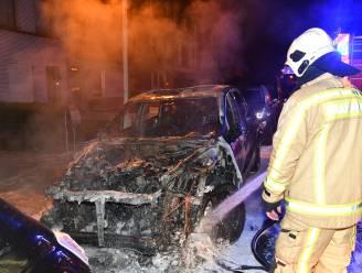 Porsche brandt volledig uit in Berchem, geen kwaad opzet
