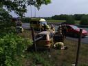 De auto is in de berm beland langs de A50.