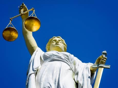 Verdachte dubbele poging doodslag Lelystad blijft in cel