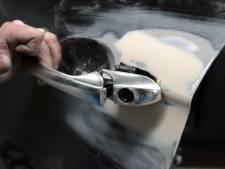 Auto-inbraak leidt tot aanhouding van man met drie doorgeladen wapens bij zich