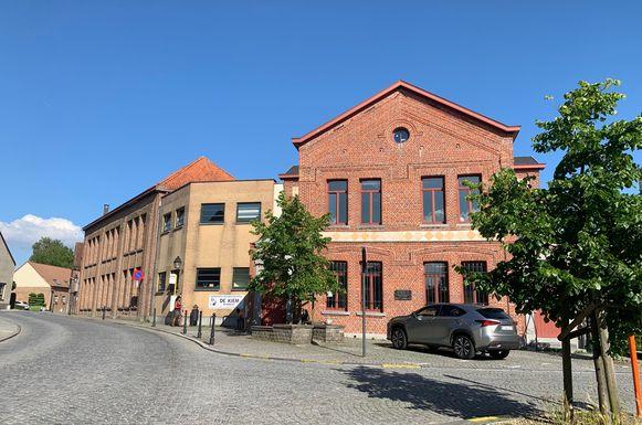 De gemeentelijke basisschool in Wambeek wordt (nog) niet overgedragen aan het katholiek onderwijsnet.