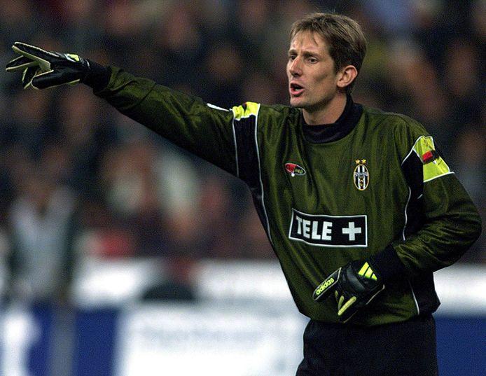 Edwin Van der Sar als keeper van Juve.